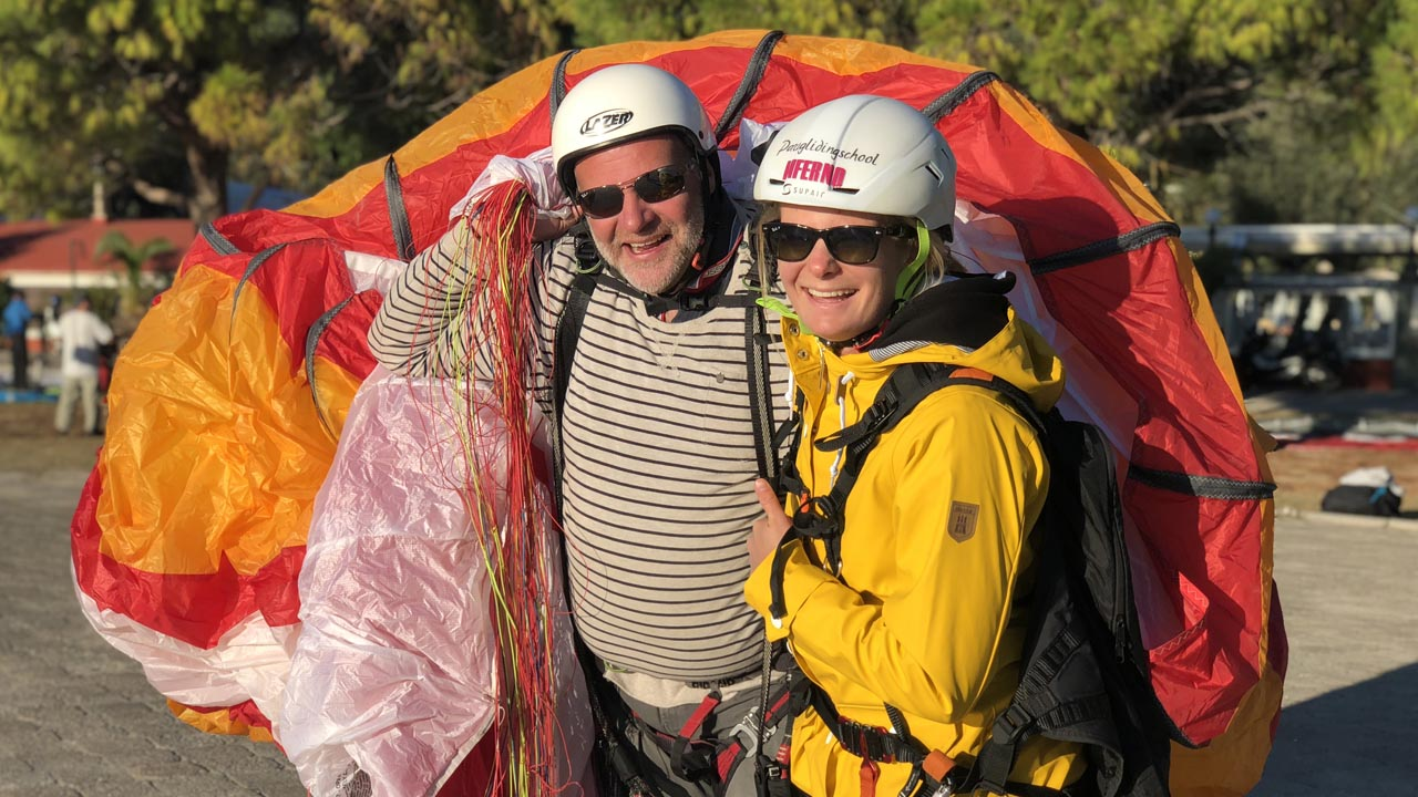 review paragliding