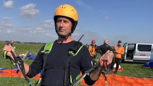 tandem paragliding start